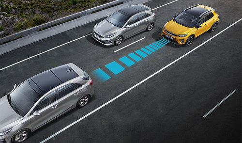 Kia Stonic mit adaptiver Geschwindigkeitskontrolle