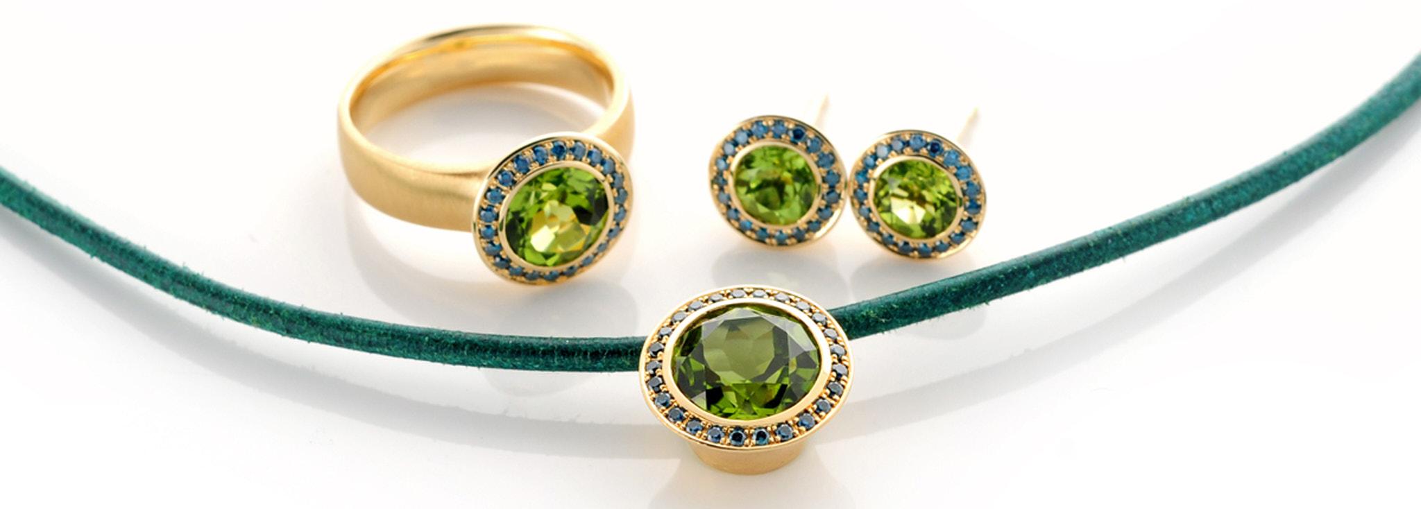1495007-3303015-4287004 Schmuckset 750 Rotgold, mit Peridot und blauen Brillanten