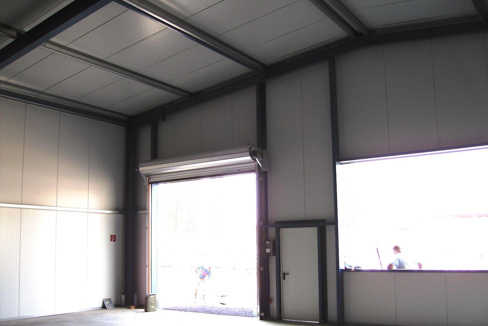 Dach- und Wandverkleidung mit Stahlpaneelen Innenansicht