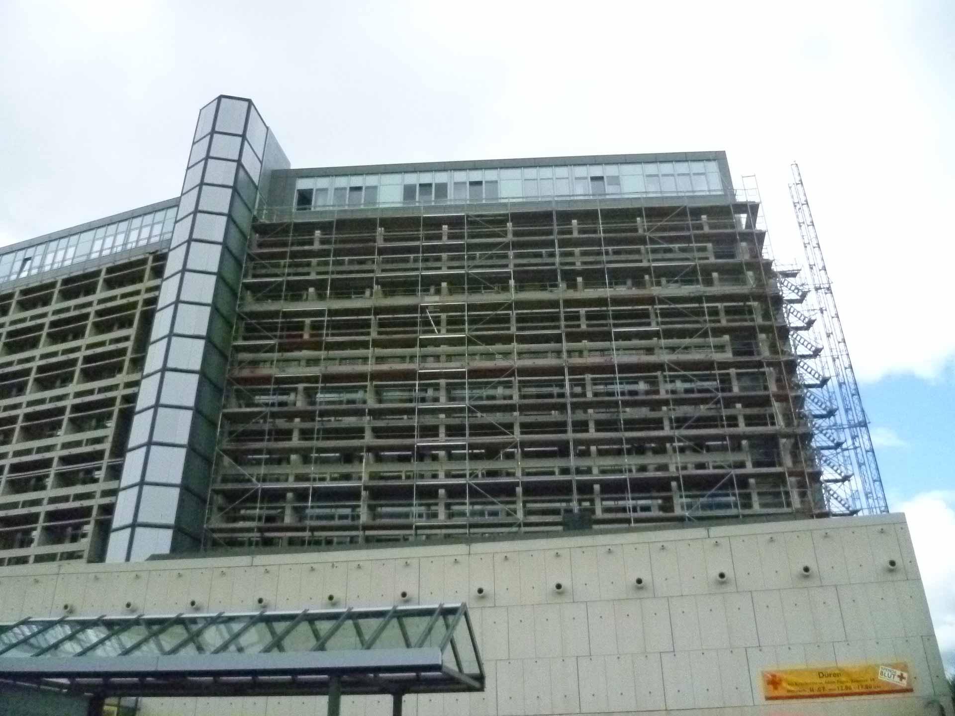 Fassaden- und Zimmersanierung