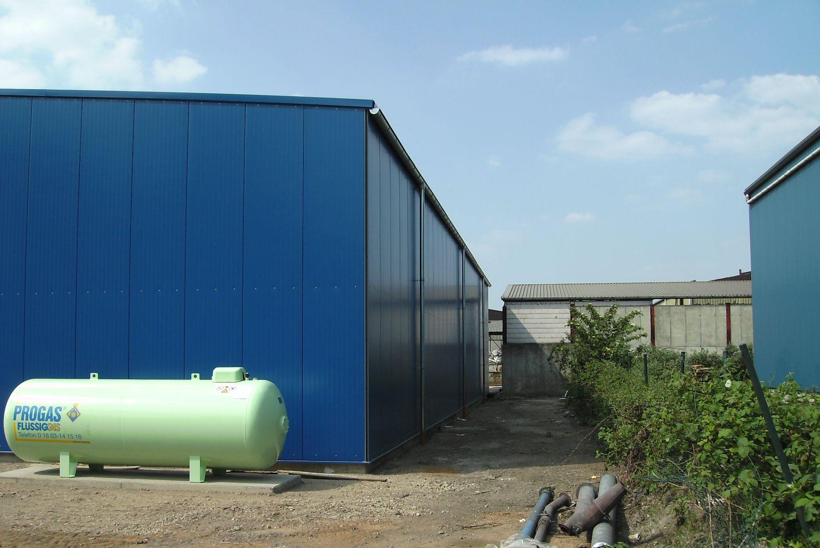 Dach- und Wandverkleidung mit Stahlpaneelen